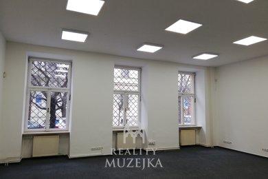 Pronájem kanceláře 44 m2 nedaleko Lužáneckého parku, Ev.č.: 000893