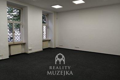 Pronájem kanceláře 44 m2 nedaleko Lužáneckého parku, Ev.č.: 000903
