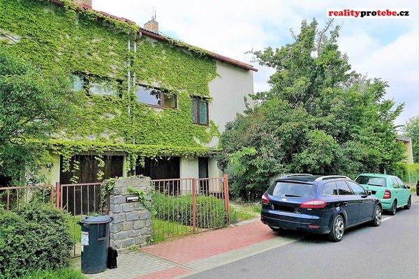 Prodej rodinného domu 7+1+garáž, Praha - Hostivař