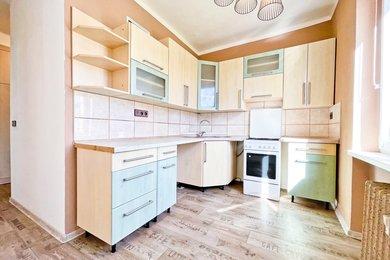 Prodej, Byt 2+1, 56m² - Karviná - Ráj, ul. V Aleji, Ev.č.: 00144