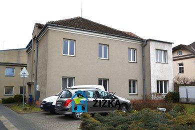 Pronájem celého uzavřeného patra kancelářské budovy 123 m2, Ev.č.: 00015
