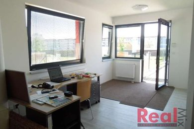Prodej, kanceláře, CP 101m2 + 4x kryté parkovací stání, ul. Houbalova, Brno - Líšeň, Ev.č.: 00171