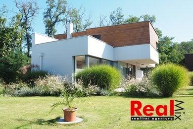 Prodej, prostorná novostavba RD 5+kk s velkou garáží, CP pozemku 1220m2, obec Sobotovice, Brno - venkov, Ev.č.: 00078