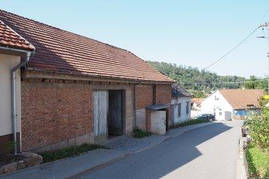 Prodej, RD + stodola, CP pozemku 430m2, obec Sentice, Brno - venkov, Ev.č.: 00156
