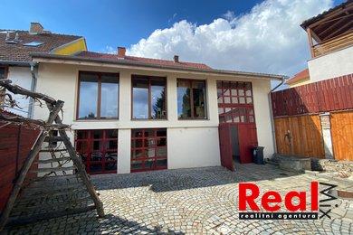 Prodej RD/sídlo firmy, CP pozemku 1220m2, obec Česká, Ev.č.: 00215-1