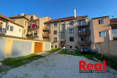 Prodej bytu 3+1 s garáží, CP 77m2, Ivanovice na Hané, Ev.č.: 00238