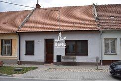 Prodej rodinného domu v Opatovicích o celkové velikosti 199 m², obytná plocha 101 m²., Ev.č.: 00036