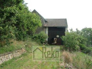 Prodej domu 2+1 s poz. 697 m2 - Korno u Berouna