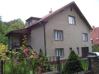 Pronájem dvougeneračního rodinného domu v Karlštejně