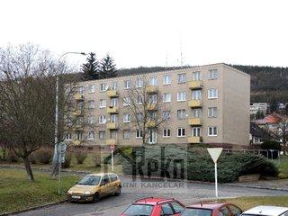 Prodej pěkného bytu 2+1+B v Berouně - sídliště Hlinky, ulice Nerudova