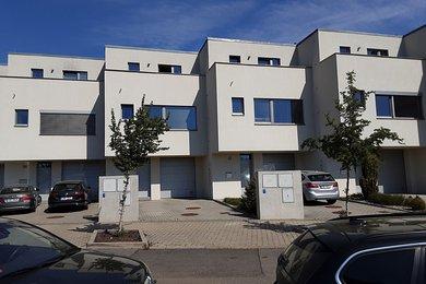 Pronájem, Rodinné domy, 211m² - Beroun-Město, Ev.č.: 02080