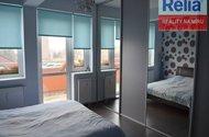 ložnice - vestavěná skříň