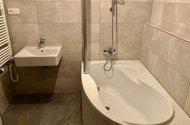 N49083_koupelna s WC..