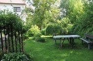 N49088_zahrada před domem