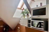 N49090_okénko z kuchyškého koutu