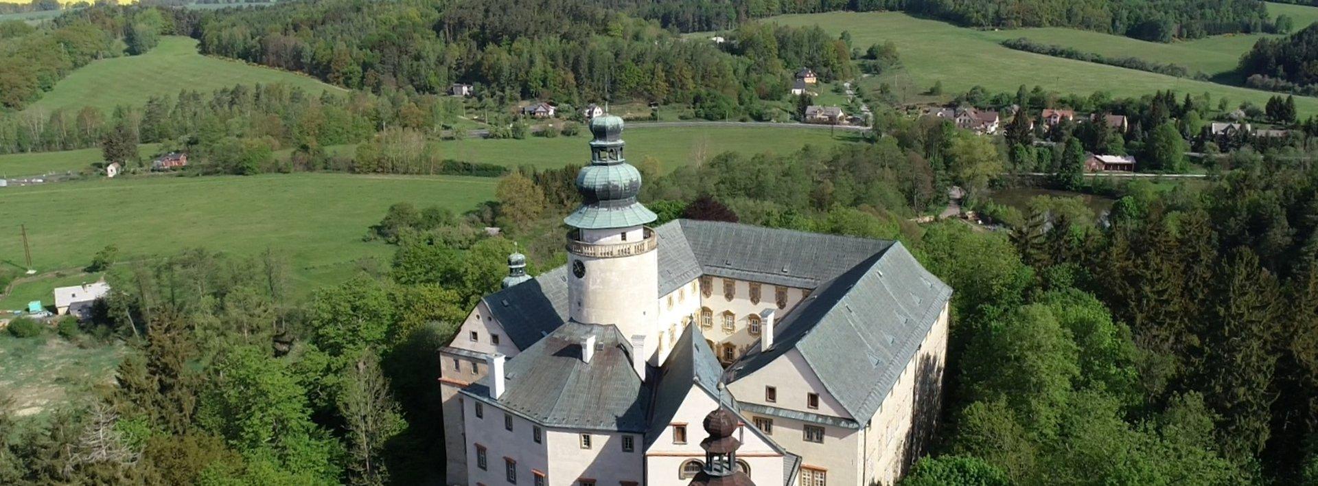 Soubor pozemků 120 ha nedaleko zámku Lemberk, rybníky, louky, lesy a sádky s prodejnou, Ev.č.: N49096