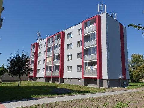Cihlový byt 3+1 se zasklenou lodžií, 72m² - Lázně Bohdaneč