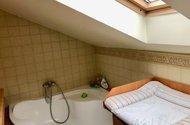 N49185_koupelna rohová vana