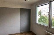 N49187_pokoj za kuchyní s jídelnou