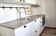 N49256_kuchyně
