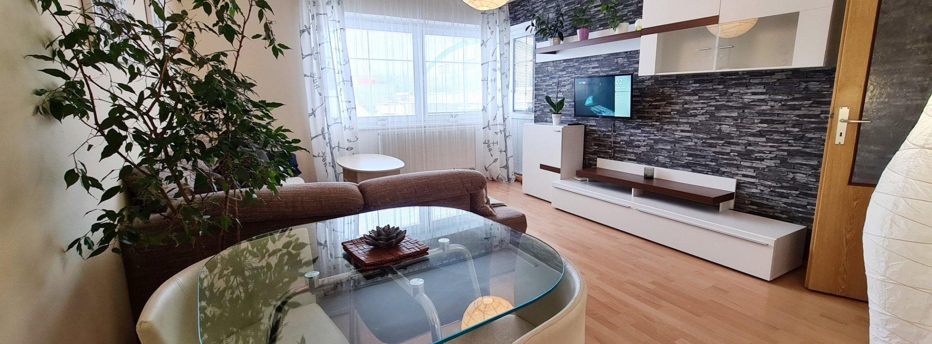 Pronájem zařízeného slunného bytu 2+kk 65 m² s terasou u Arény, Ev.č.: N49271