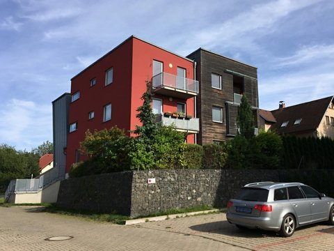Pronájem nadstandardního bytu 2+kk včetně vybavení, 60 m²