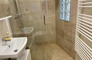 N49285_koupelnový kout