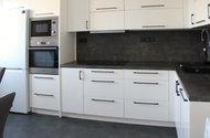 N49329_kuchyně