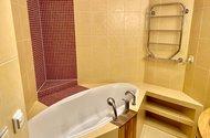 N49354_koupelna s vanou
