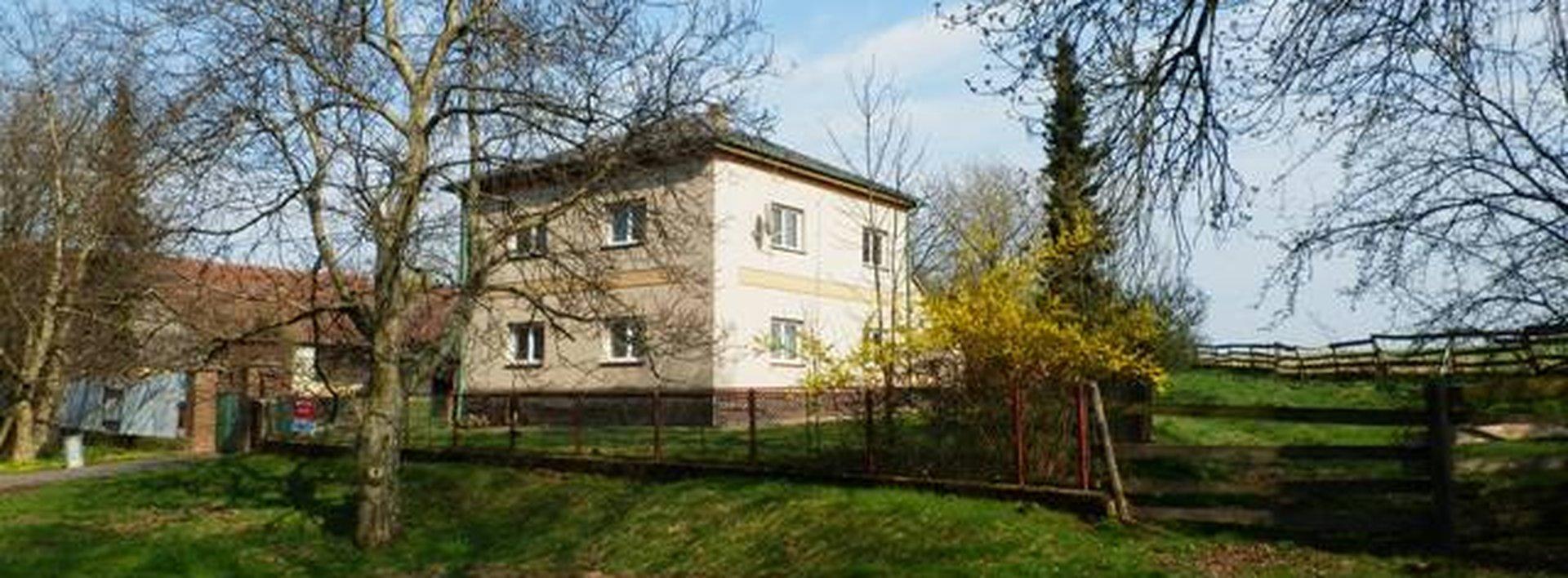 Prodej RD s hospodářstvím a velkou zahradou, 180m², Ev.č.: N46241