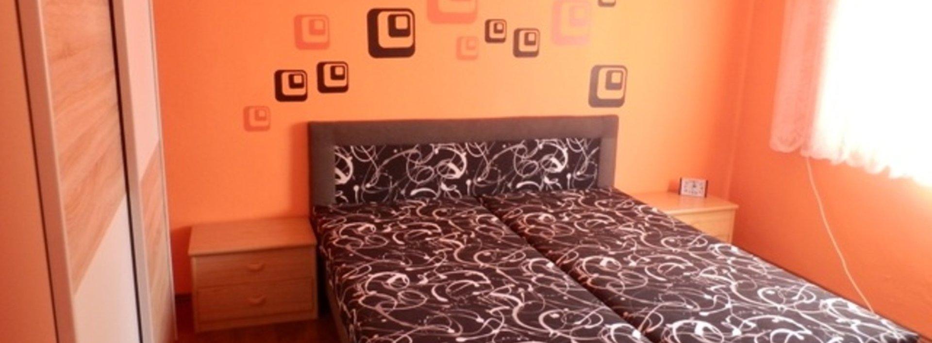 Prodej bytu 2+1 s balkonem, zajímavé místo, Chvaletice, 58m², Ev.č.: N46440