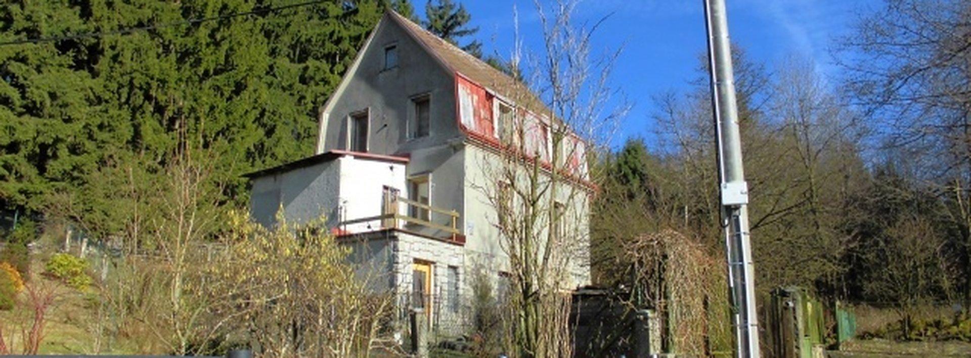 Prostorný zděný dům se slunnou zahradou, lukrativní lokalita, Ev.č.: N46661