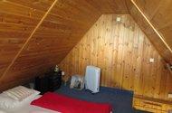 Podkrovní místnost