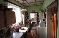 N46634_kuchyn vchod z chodby a vchod do zimní zahrady
