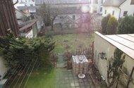 N46634_pohled ze zimní zahrady do zahrady