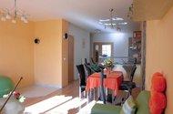 pokoj s jídelnou a kuchyní