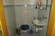 spodní toaleta
