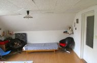 N46848_horní místnost obývací část