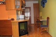 N46943_kuchyně chodba