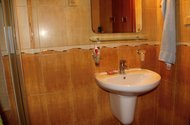 N46943_koupelna umyvadlo