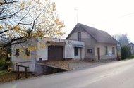 Dům s garáží