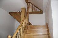 schody do podkrovi