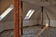 N47014_obývací pokoj1