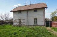 N47193, RD Dolní Roveň, dům z boku