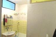 N47231_koupelna se svetlíkem do kuchyně a wc