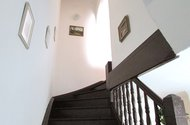 N47231 schody do patra