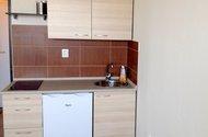 N47272-Kuchyňský kout s lednicí.