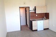 N47272_kuchyňský kout s lednicí