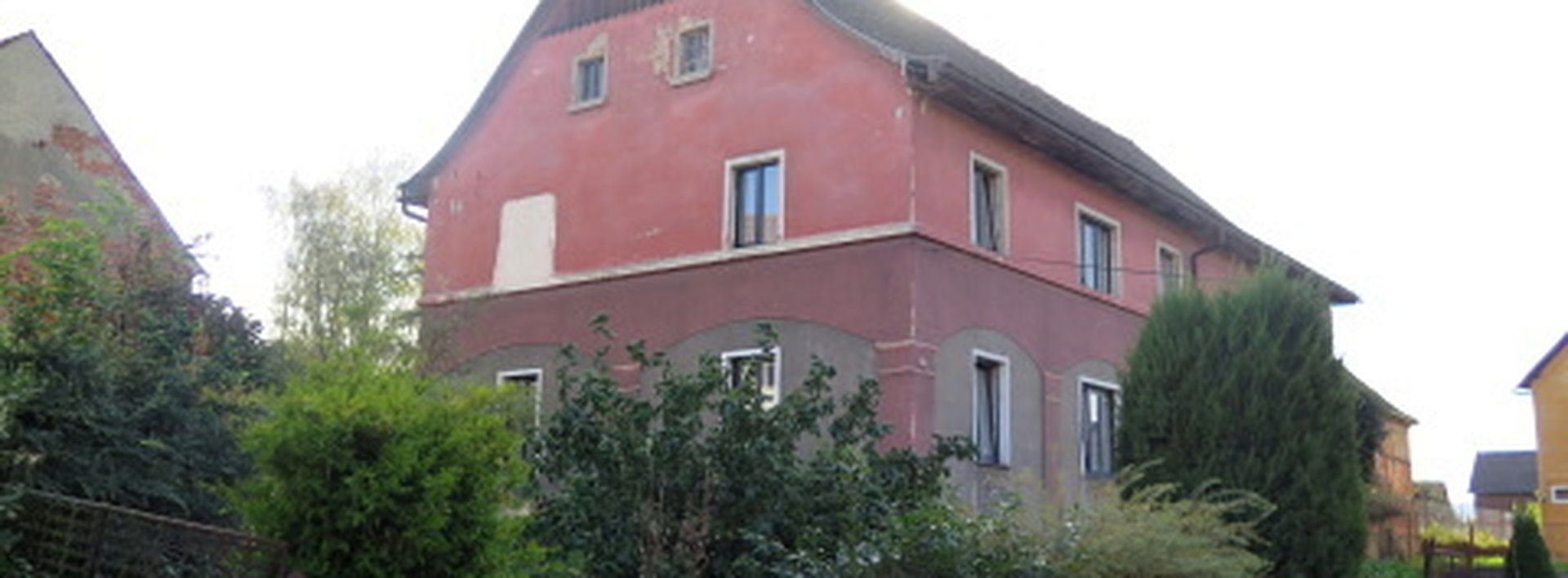 Venkovské stavení s rozlehlou parcelou a stodolami, Ev.č.: N47559