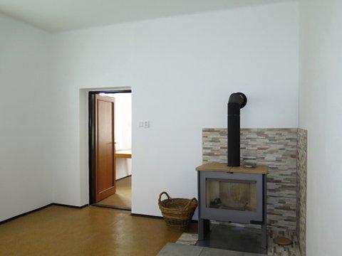 Pronájem bytu 1+1 v cihlovém domě